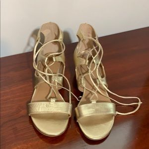 Shoes - Tahari gold cage wedge sandals women's shoes 8M